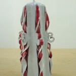 Bougie sculptée bi-colore blanche et rouge